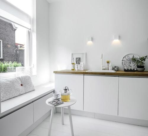 white Delft1