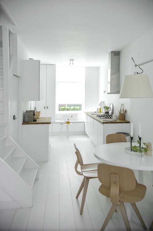 white Delft2
