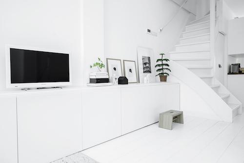 white Delft5