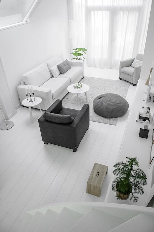 white Delft6