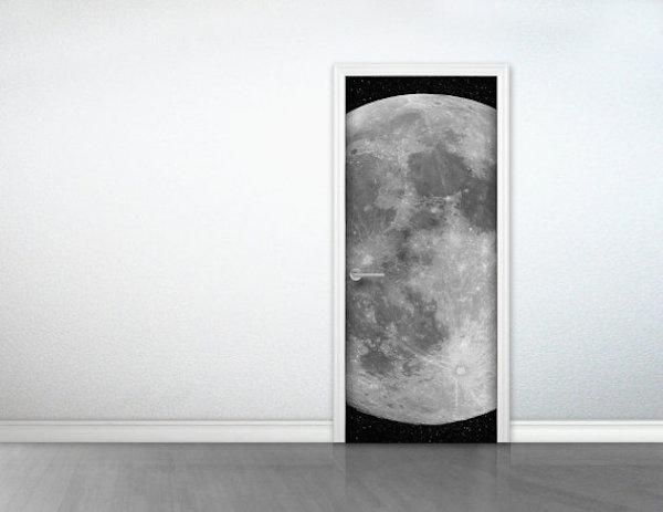 stick_door to the moon